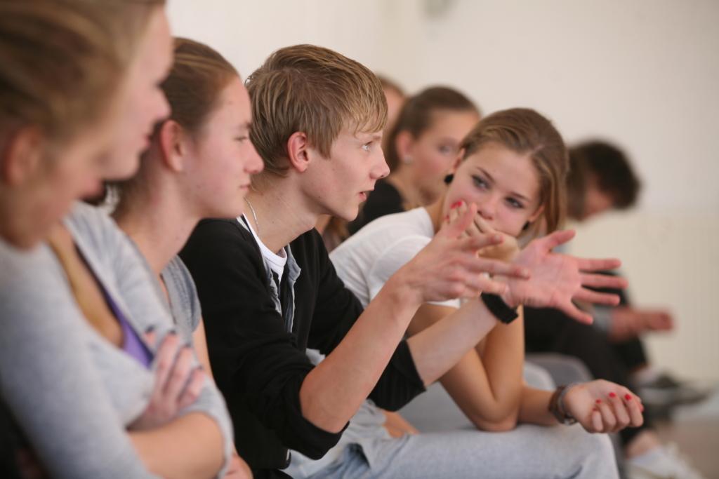 les bij de jeugdtheaterschool